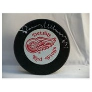 Signed Ullman Norm Detroit Red Wings Detroit Red Wings Hockey Puck autographed