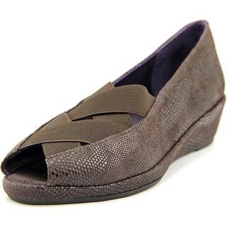 Vaneli uu Women Peep-Toe Suede Flats