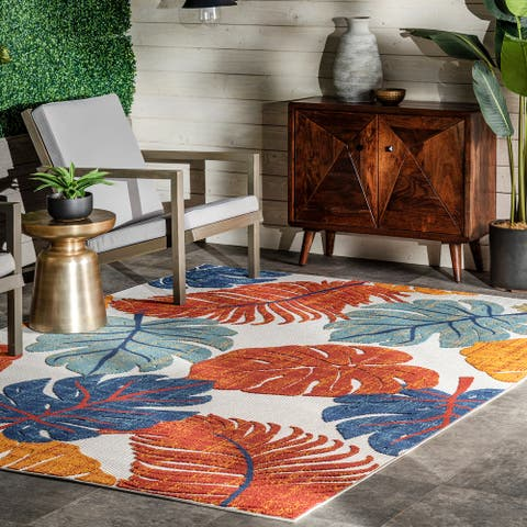 nuLOOM Ryleigh Textured Leaves Indoor/Outdoor Area Rug