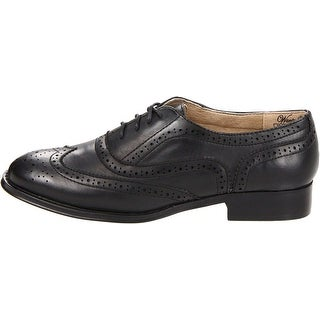 Wanted Shoes Womens Babe Closed Toe Oxfords
