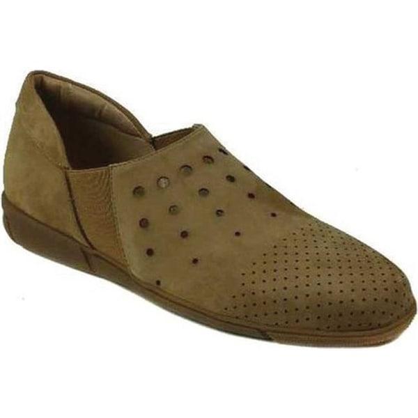 edf0d7b6701 Sesto Meucci Women  x27 s Ditty Slip-On Shoe Camel Soft Nabuk Leather