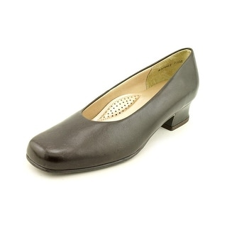 Mark Lemp By Walking Cradles Callie Square Toe Leather Heels