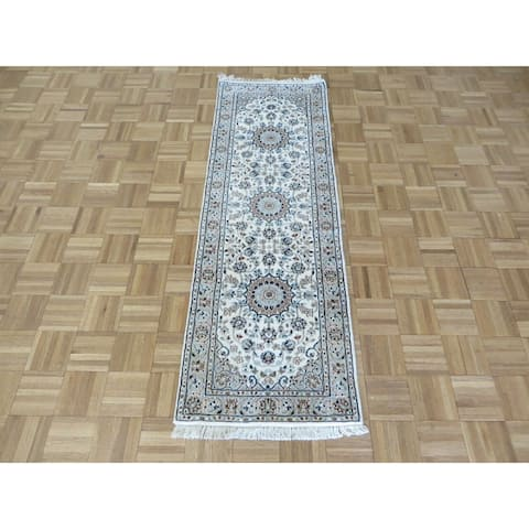 """Hand Knotted Ivory Nain with Wool & Silk Oriental Rug (2'1"""" x 6'3"""") - 2'1"""" x 6'3"""""""