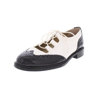 Stuart Weitzman Womens Mrgill Oxfords Lace-Up Perforated