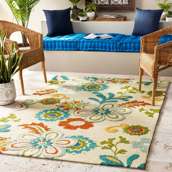 Hand-hooked Kim Transitional Floral Indoor/ Outdoor Area Rug