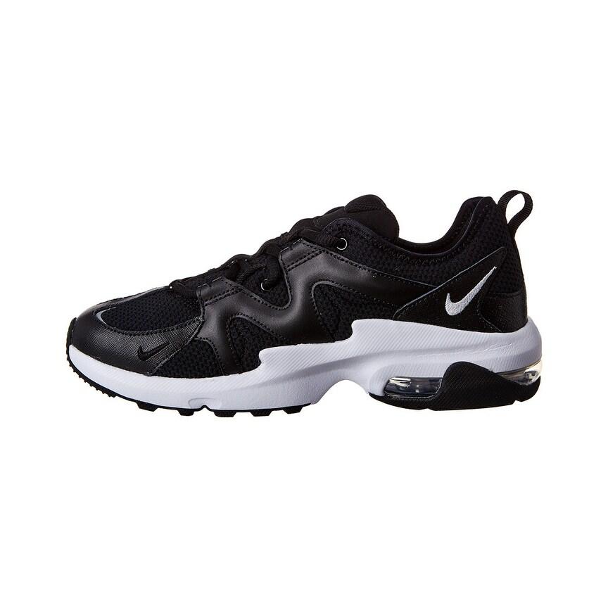 Nike Air Max Gravitation Sneaker