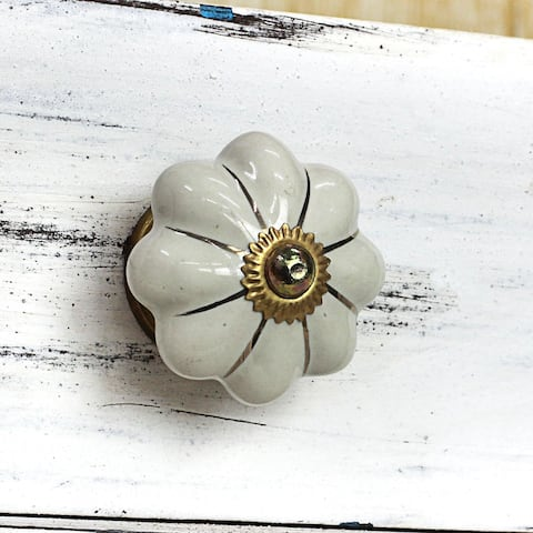 Set of 6 Handcrafted Ceramic 'Pale Floral Beauties' Cabinet Knobs (India)