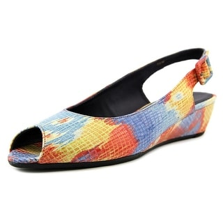 Vaneli Elrica W Peep-Toe Leather Slingback Heel