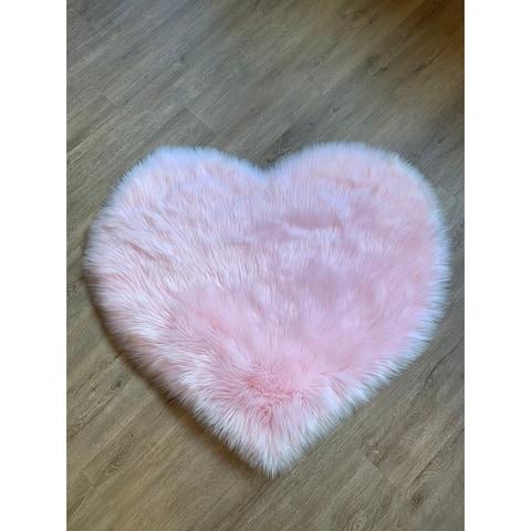 Silver Orchid Nansen Luxurious Faux Sheepskin Heart Shaped Area Rug