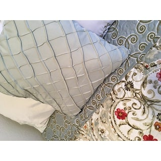 VCNY Home Evangeline Reversible Quilt Set