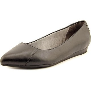 Life Stride Qute Women W Pointed Toe Leather Flats