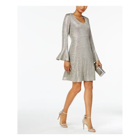 CONNECTED Womens Silver Pleated Bell Sleeve Scoop Neck Above The Knee Shift Cocktail Dress Petites Size: 4