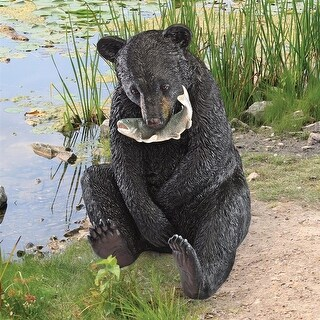 Design Toscano The Expert Fisherman Black Bear Statue