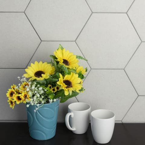 SomerTile 8.625x9.875-inch Vendimia Blanco Hex Porcelain Floor and Wall Tile