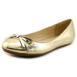 Isaac Mizrahi Piper Women Cap Toe Leather Flats