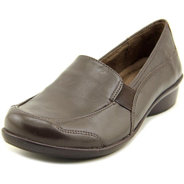 NaturalSoul by Naturalizer Carryon Brown Flats