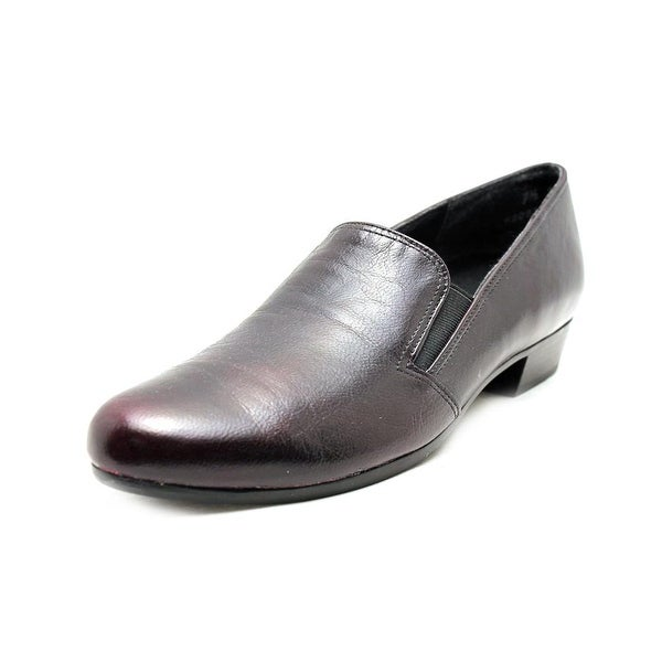 8fc8e801ea2 Shop Munro American Hailey Women Round Toe Leather Loafer - Free ...