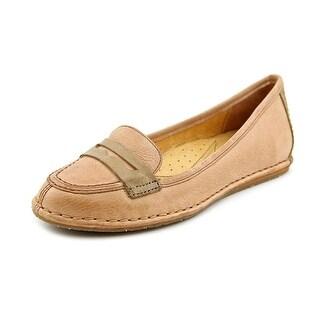 Naya Debbie Women Round Toe Leather Loafer
