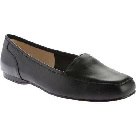 Bandolino Women's Liberty Flat Black Leather