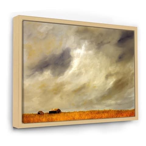Designart 'Desert Farmhouse Under Cloudy Sky in Washington I' Farmhouse Framed Canvas Wall Art Print