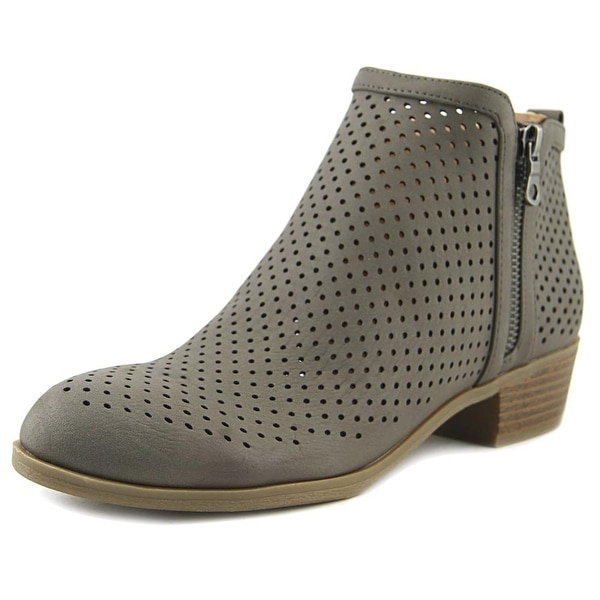 Indigo Rd. Carry Women Gray Boots