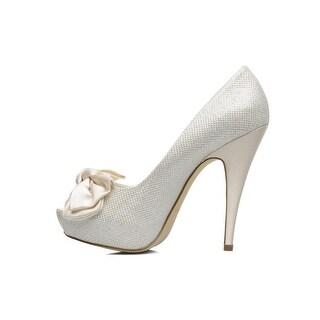 Menbur Womens Clarisa Peep Toe Classic Pumps, Ivory, Size 7.5