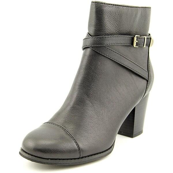 Giani Bernini Womens Dannie Closed Toe Ankle Fashion Boots