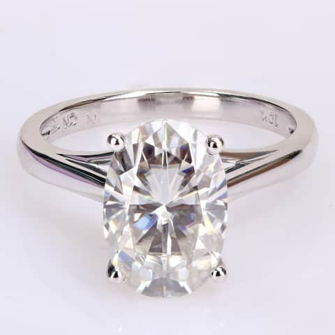 Miadora 4 1/2ct DEW Oval-cut Moissanite Solitaire Engagement Ring in 10k White Gold