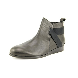 All Black Band & Tab Women Round Toe Leather Black Bootie