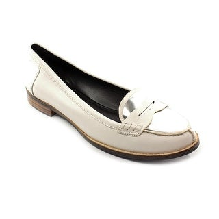 DMSX by Donald J Pliner Yev Women Round Toe Leather Loafer