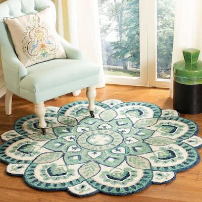 SAFAVIEH Handmade Novelty Urtza Ornate Flower Wool Rug