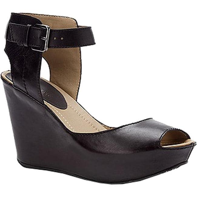 Kenneth Cole Reaction Women's Sole My Heart Sandal Black Leather