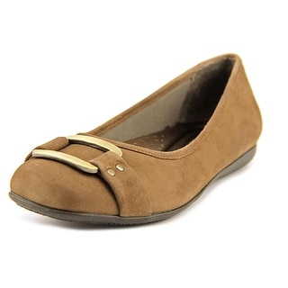 Trotters Sizzle Signature Round Toe Suede Flats