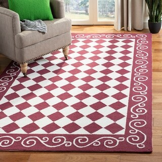 Link to Safavieh Hand-hooked Chelsea Marlee Country Oriental Wool Rug Similar Items in French Country Rugs