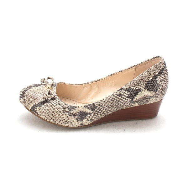 Cole Haan Womens Lavernasam Closed Toe Wedge Pumps - 6