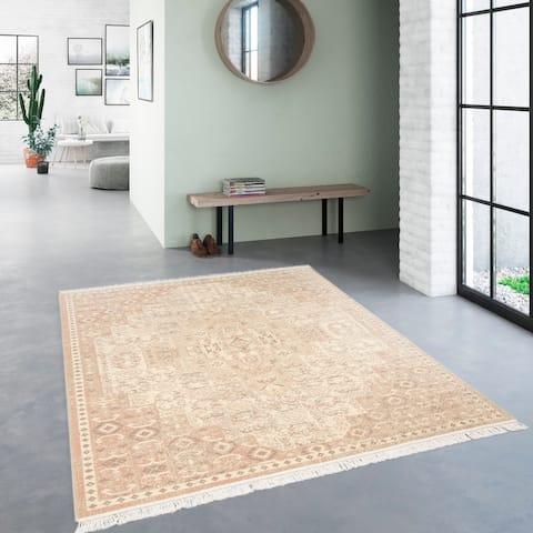 Rosemarie Traditional Persian Area Rug