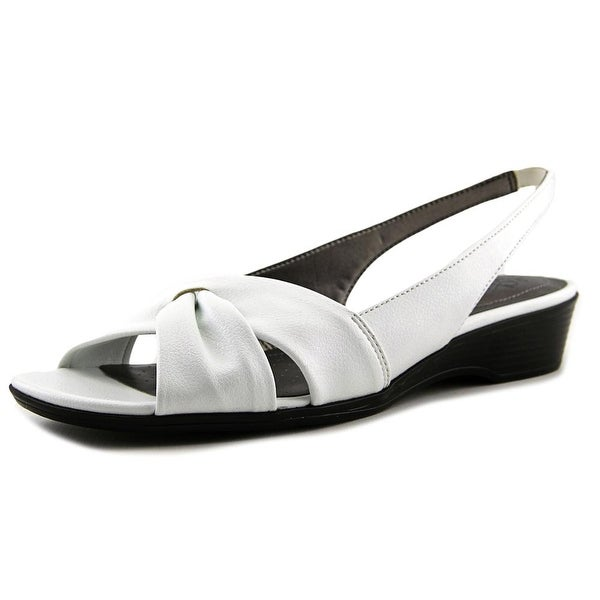 Life Stride Mimosa 2 White Must Pumps