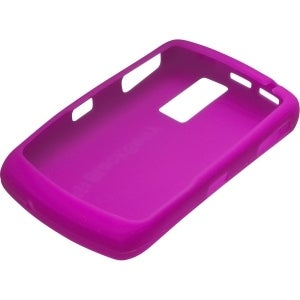 BlackBerry 8300, 8310, 8320, 8330 Curve Silicone Skin Case - Dark Magenta