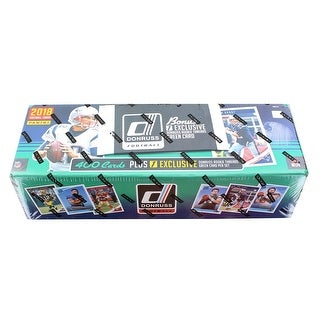 NFL Panini 2018 Donruss Football Trading Card Set with Rookie Threads Card - Multi
