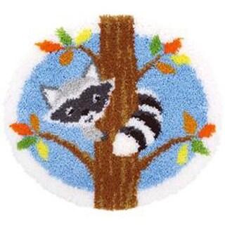 "Raccoon In Tree - Vervaco Shaped Rug Latch Hook Kit 21.5""X20"""