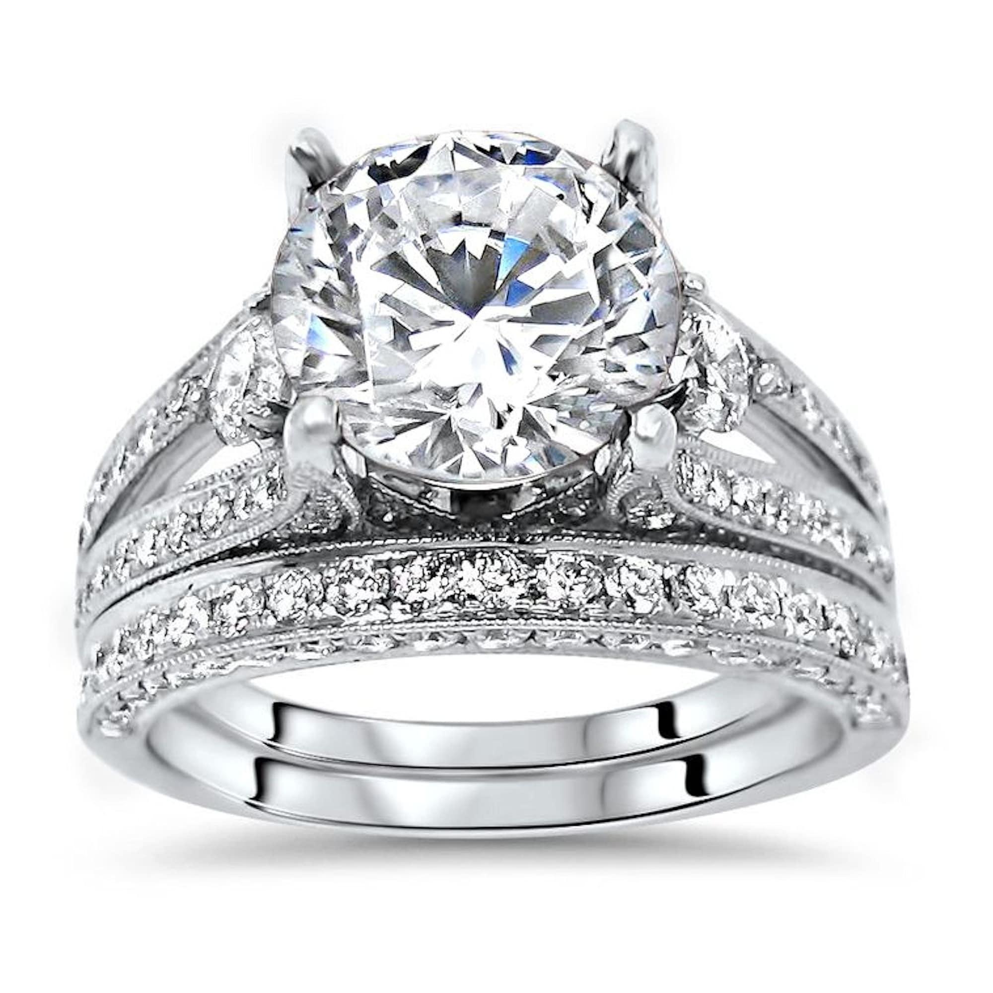 Engagement Ring Gift For Mum 1.60 Ct White Round Moissanite Halo Wedding Ring,Moissanite Ring in 10KT Yellow Gold Ring