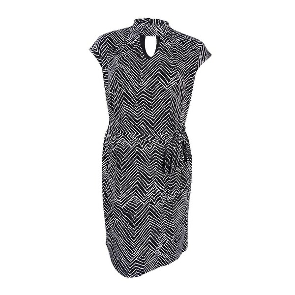 3db2ba6d6b3 Shop INC International Concepts Women s Plus Size Chevron-Print Shift Dress  - Zig Zag - On Sale - Free Shipping Today - Overstock.com - 17019068