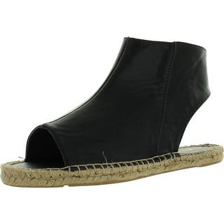 Mark & Maddux Shawn-03 Women's Open Toe Zipper Close Back Cut Out Flat Sandals|https://ak1.ostkcdn.com/images/products/is/images/direct/88dc7cf16570021784fcc69d9f7281be2794e68b/Mark-%26-Maddux-Shawn-03-Women%27s-Open-Toe-Zipper-Close-Back-Cut-Out-Flat-Sandals.jpg?impolicy=medium