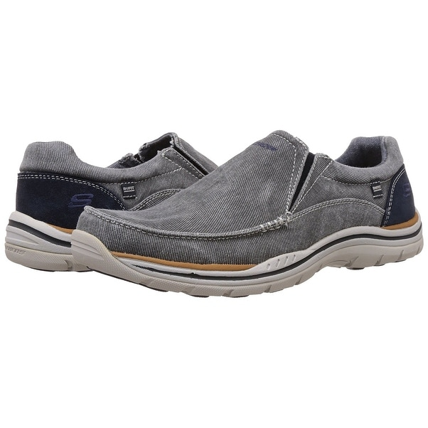 Skechers, Expected Avillo Slip