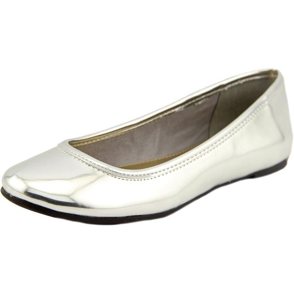 American Living Dolores Women Round Toe Synthetic Silver Flats