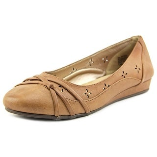 Jellypop Alayna Round Toe Synthetic Flats