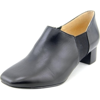 Trotters Lillian Women N/S Round Toe Leather Black Bootie