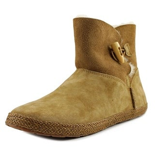 UGG Garnet Women Chestnut Snow Boots