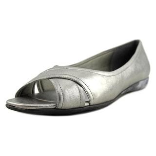 Trotters Savannah Women Open-Toe Leather Flats