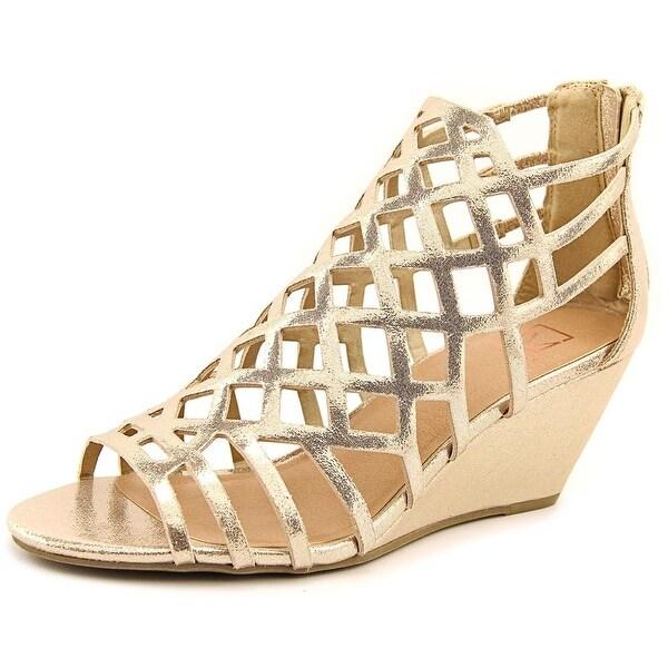 Material Girl Heniet Women Rose Gold Sandals